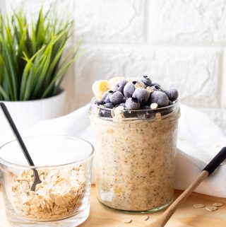 Healthy vegan overnight oats