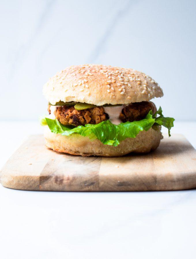Smoky veggie burger